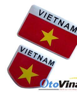 Logo kim loại cờ Việt Nam 3D dán xe ô tô mẫu 123