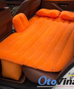 Giường hơi ô tô phủ màu cam nổi bật