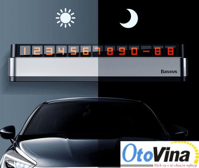 Giá bảng số điện thoại ô tô để trên ô tô