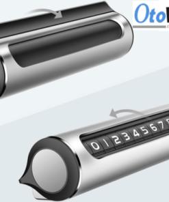 Bảng số điện thoại ô tô vỏ nhôm được thiết kế tinh tế, sang trọng có thể xoay để đóng mở số điện thoại.